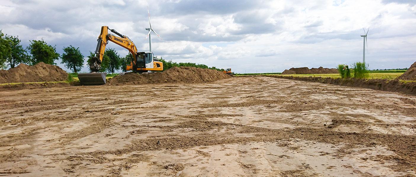 Flächenvorbereitungen für den Bau einer Windkraftanlage.